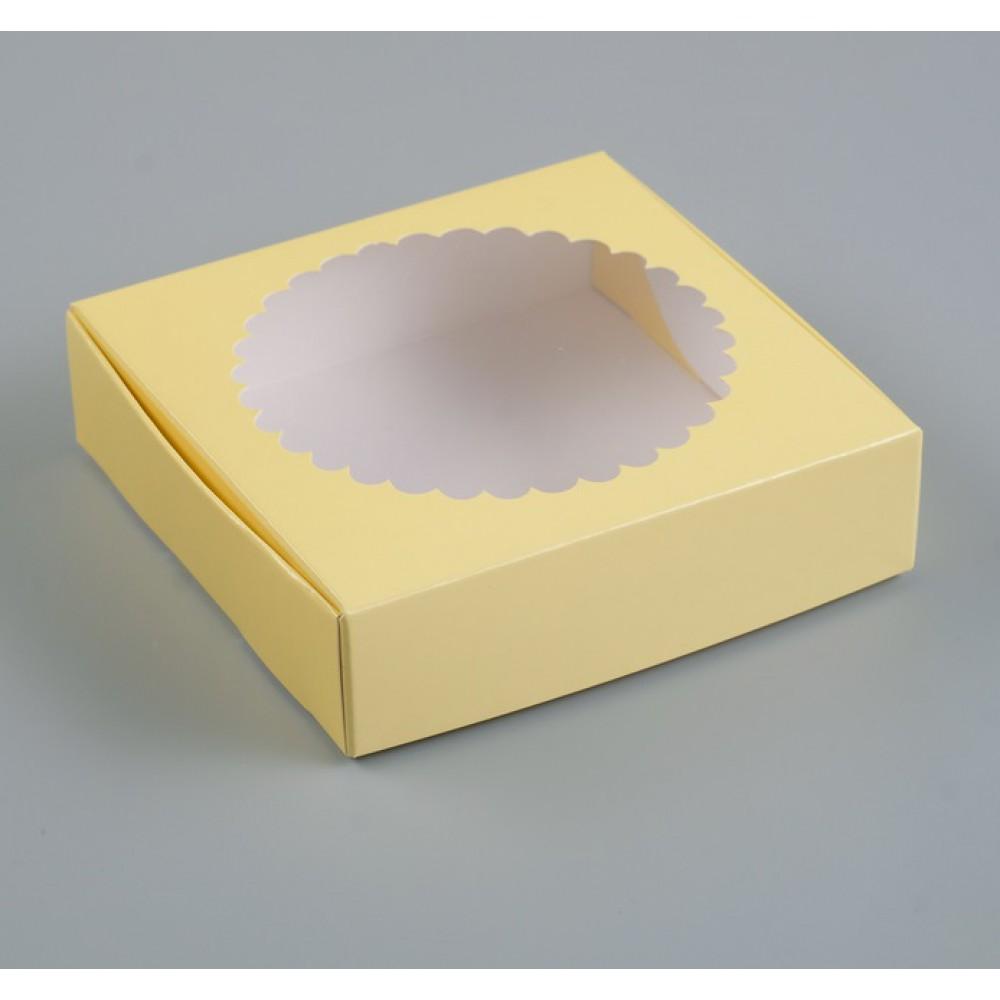 Подарочная коробка сборная с окном бежевый 11,5*11,5*3см