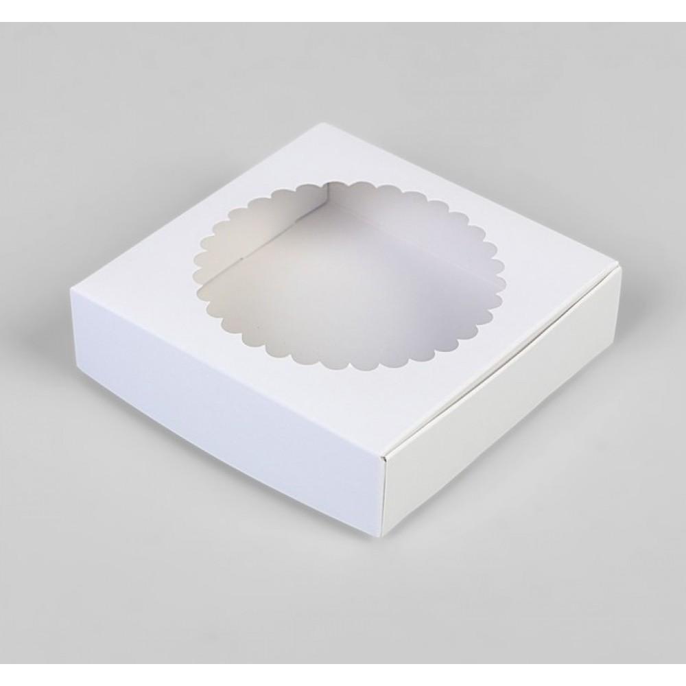 Подарочная коробка сборная с окном белый 11,5*11,5*3см